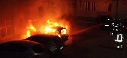 auto in fiamme1